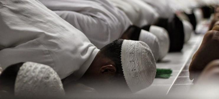 sholat tahajjud berjamaah bagian dari agenda harian santri muhammadiyah boarding school